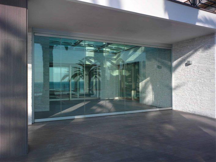Vista dell'apertura con bifold tutto vetro chiuso