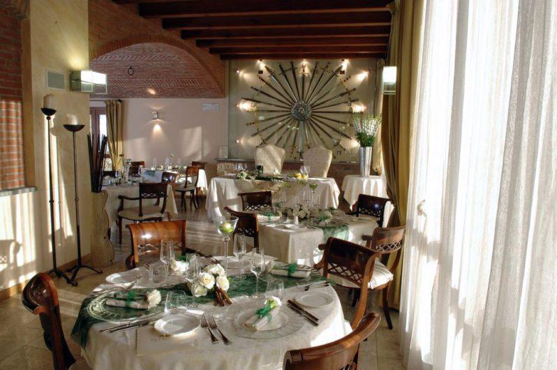 Vista della sala da pranzo dell'Hotel Fontana Santa