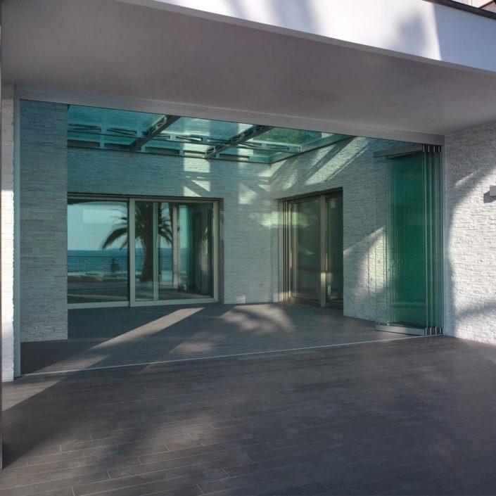 Serramento Bifold di Villa Taranto aperto