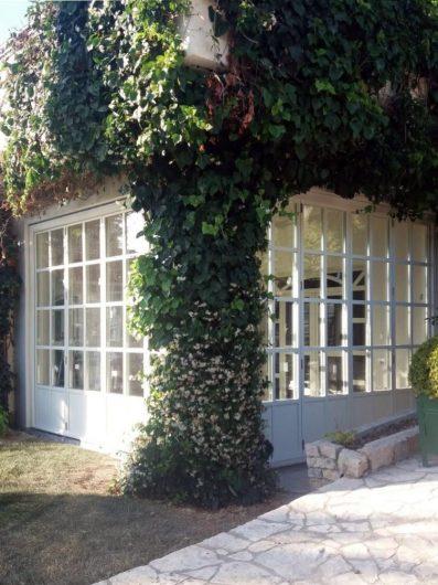 Particolare dell'angolo di Villa Salerno