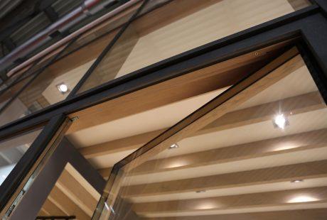 Skyline System con finitura legno-alluminio, immagine due