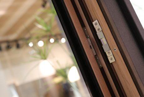 Skyline System con finitura legno-alluminio, immagine tre