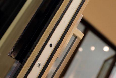 Skyline System con finitura legno-alluminio, immagine uno