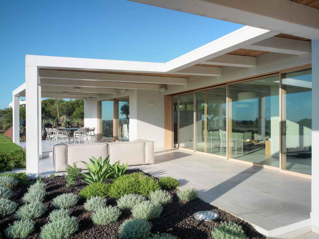 Villa Olbia, terrazza esterna con Skyline Sliding