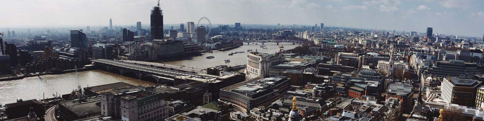 100% Design Londra, immagine di copertina