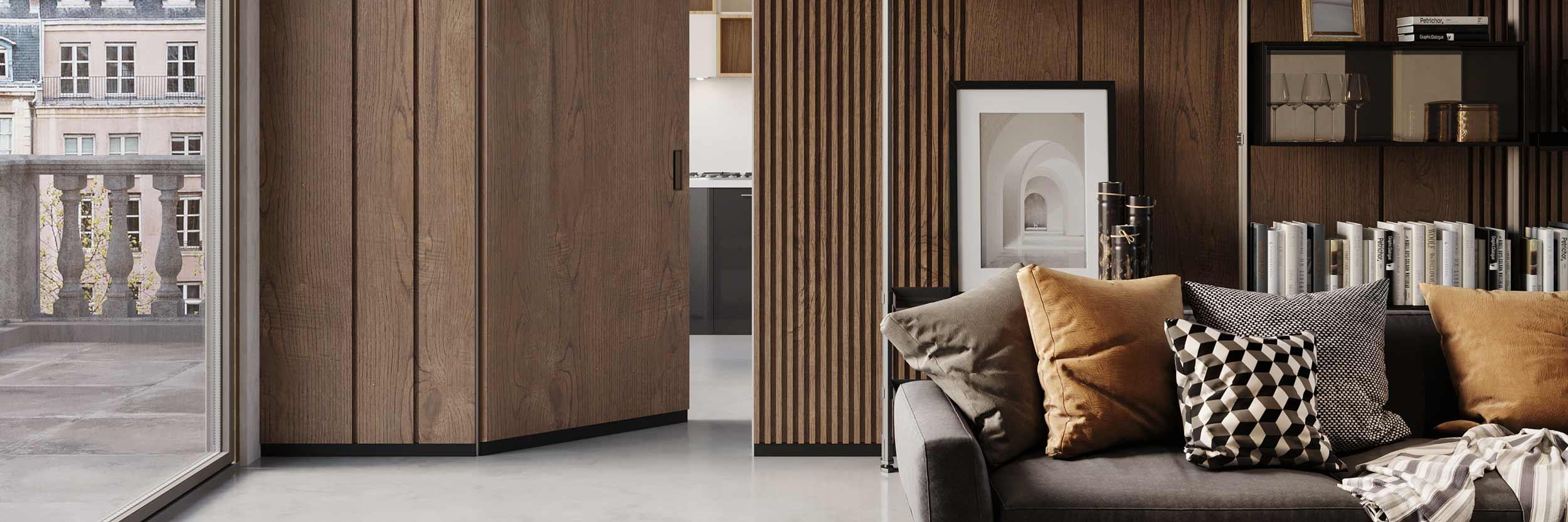 Vista di dettaglio di una porta in legno cieca con zoccolino incassato
