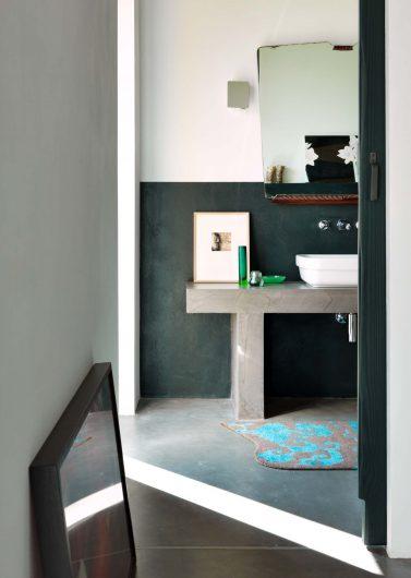 Vista del bagno privato di una delle camere da letto della villa