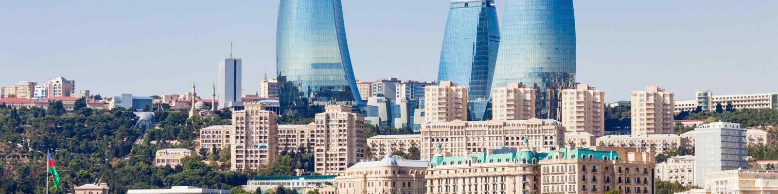 Vista dei grattacieli di Baku in Azerbaigian